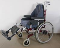 Polohovací vozík Invacare